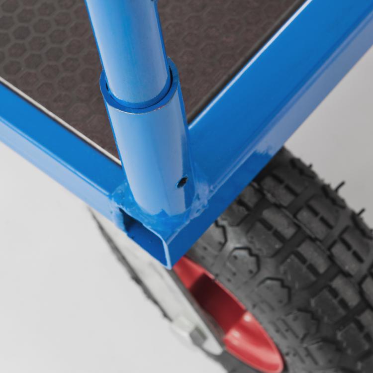 Wózek na kołach pneumatycznych